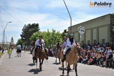 Se realizó el desfile y paseo criollo por el centenario de Stroeder