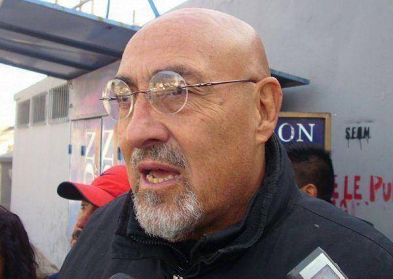 """Podrían disponer la detención de Carlos """"Perro"""" Santillán"""