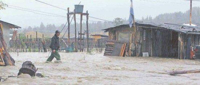 La constantes inundaciones transforma en ca�tica la vida a los habitantes de lago puelo Noticias