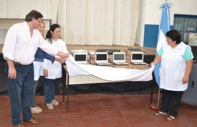 Tres escuelas de Saladillo revivieron Aulas Digitales Móviles en el marco del Programa PIIE