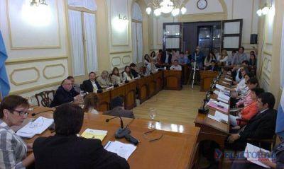 Convención: aprueban tributo al cableado de empresas y consulta popular por destitución
