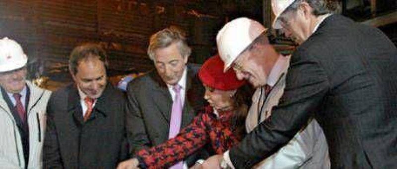 La UIA no quiere a Chávez en el Mercosur y se pregunta qué hizo Kirchner con los fondos de Santa Cruz