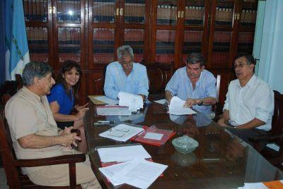 Importante convenio entre el IASEP y entidades m�dicas
