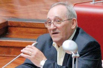 """Risso calificó la designación del nuevo directorio en el Banco del Chubut como """"una truchada con un fin ilícito"""""""