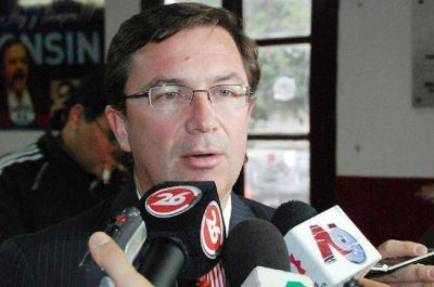 """Gutiérrez: """"Separados no le ganamos ni al cuatro de copas"""""""