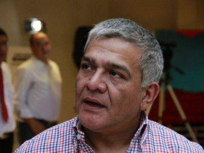 """Según Raúl Medina, """"Urtubey escribió en el manual de la traición"""""""