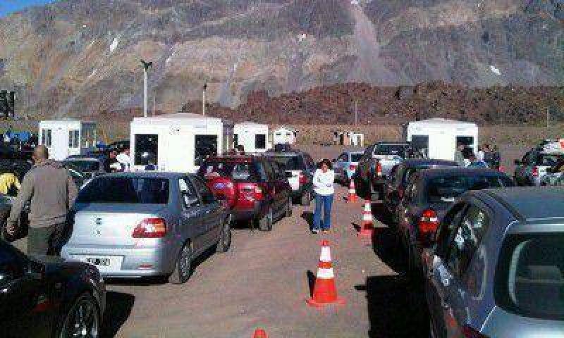 Autoridades chilenas garantizaron la atenci�n en la aduana para autos particulares y colectivos
