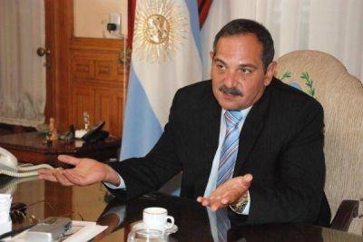 Antes de irse a Cancún: Alperovich subió 25% el impuesto Inmobiliario