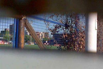 Juega al misterio: a puertas cerradas, Bianchi paró el equipo para pelear la cima