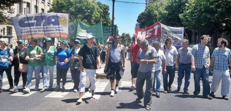 Christian Castillo inaugura su mandato moviliz�ndose con los trabajadores