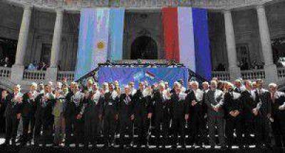 Insfrán participó de la cumbre binacional de ministros y gobernadores fronterizos