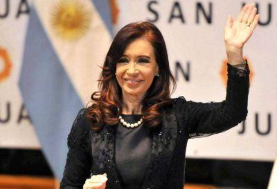 La imagen de Cristina mejoró siete puntos durante su licencia