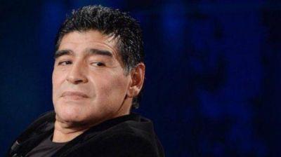 ¿Es sólo una locura? All Boys tentó a Maradona para reemplazar a Falcioni