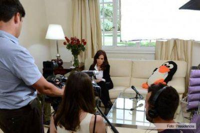 """Cristina volvió y grabó un mensaje: """"Les quiero agradecer a todos por su preocupación"""""""