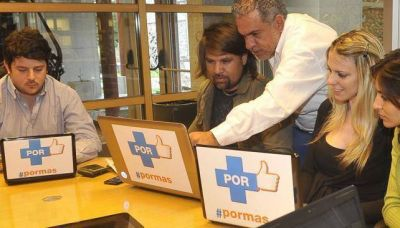 """Campaña contra el """"grooming"""" desde Córdoba hacia el mundo"""