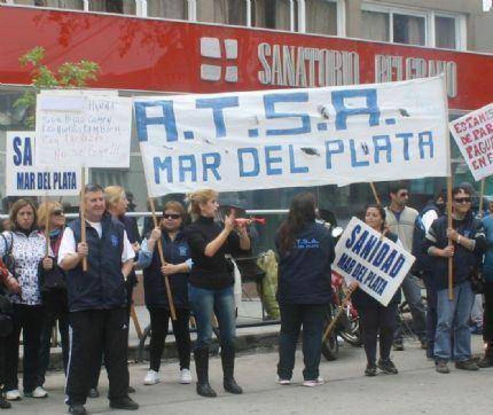 Se levantó la medida de fuerza en el Sanatorio Belgrano, pero temen cobrar nuevamente fuera de tiempo en diciembre