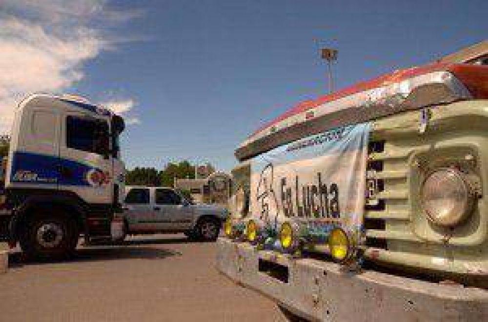 La protesta de los camioneros causó problemas para unir Cipolletti-Neuquén