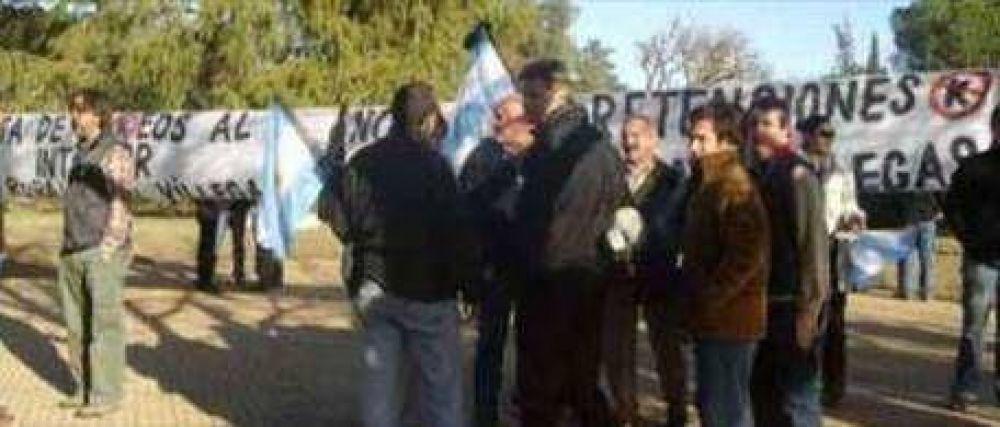 Ruralistas escracharon a De Vido en General Villegas