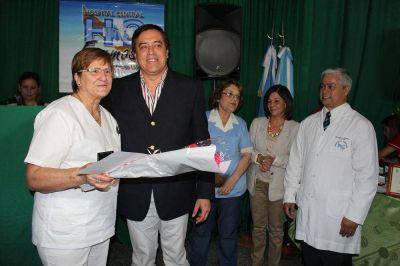 Emotivo homenaje a enfermeros con d�cadas de servicio en el Hospital Central de Formosa