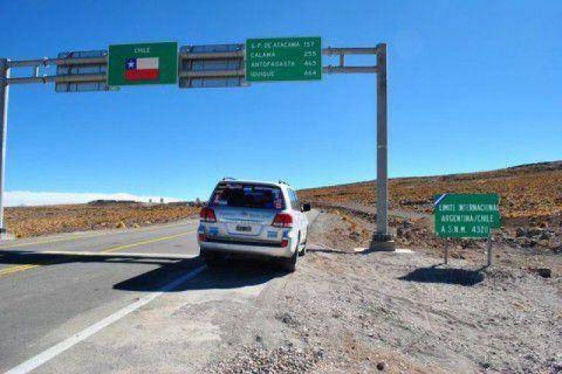 Por medidas de fuerza: aduaneros chilenos dificultan el paso en la frontera con el vecino pa�s