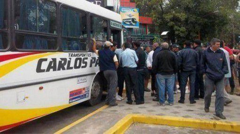 Sigue el paro de Transporte Carlos Paz; hoy habrá otra reunión clave