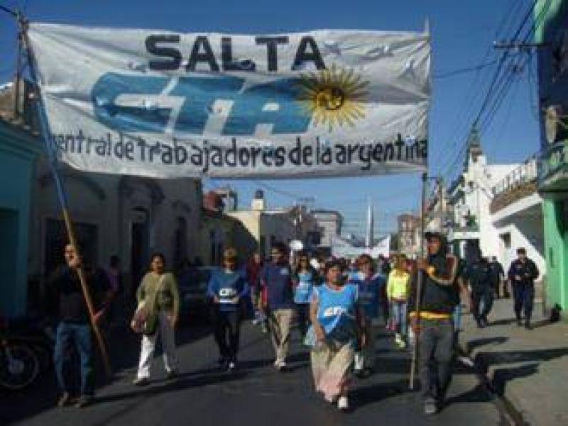 La CTA de Salta se sumó a la movilización nacional y marchó en contra de Austin