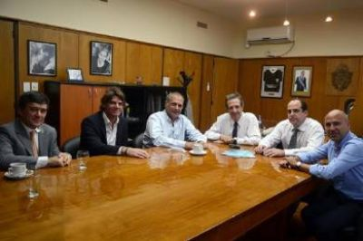 El Banco del Chubut analiza una alianza estratégica con el Grupo Provincia