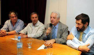 Firma de acuerdos con las dos CGT y con el municipio