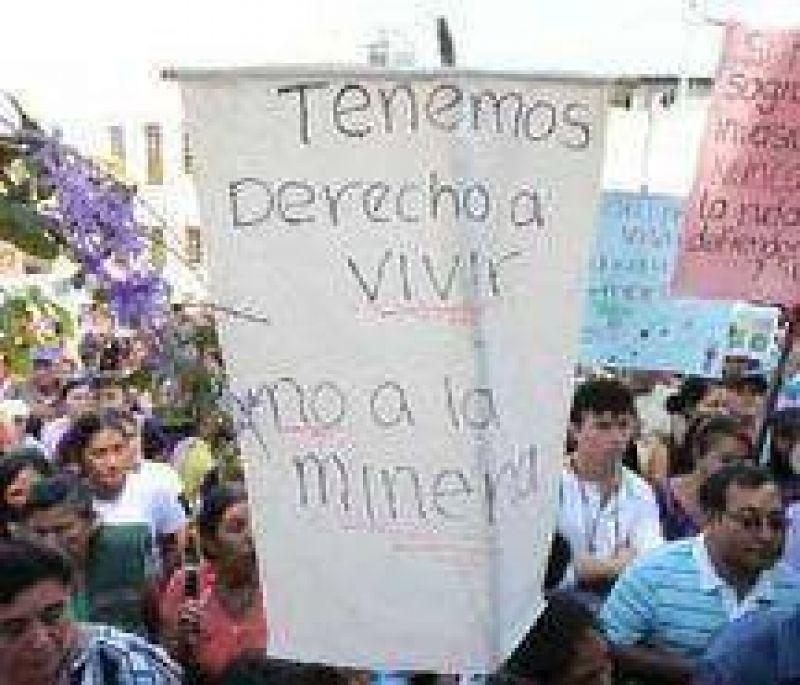Los vecinos de El Galpón volvieron a marchar contra la planta de Nitratos Austin