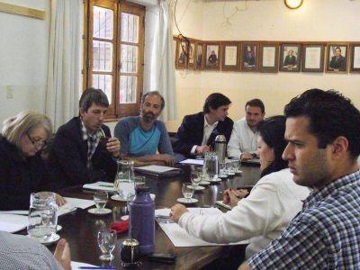 """Dirigentes sindicales pidieron una radio municipal con """"independencia"""""""