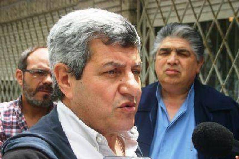 """Víctor De Gennero: """"Los sindicatos oficialistas tienen libertad, el resto no"""""""