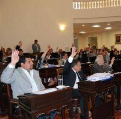 La mayoría oficialista aprobó el Presupuesto Provincial 2014