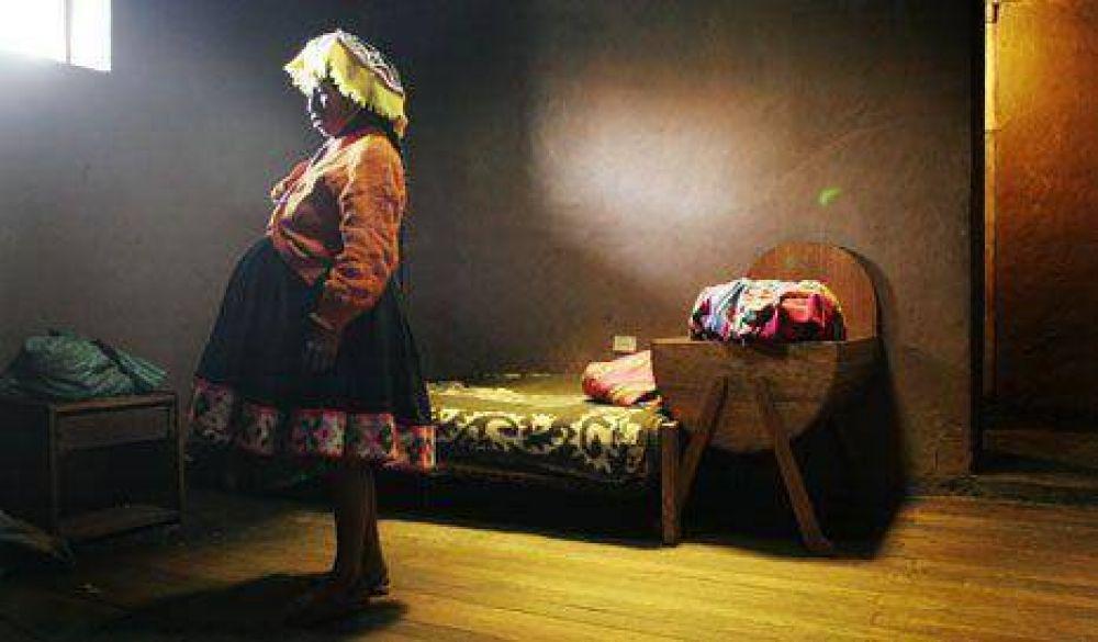 Perú: se hacen más de mil abortos por día