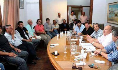 Quequén. El Consorcio del Puerto y los sindicatos firmaron un acuerdo