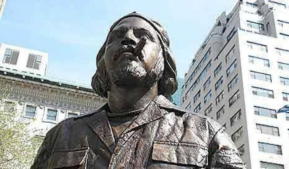 """Retiran una estatua del """"Che"""" Guevara del Central Park"""