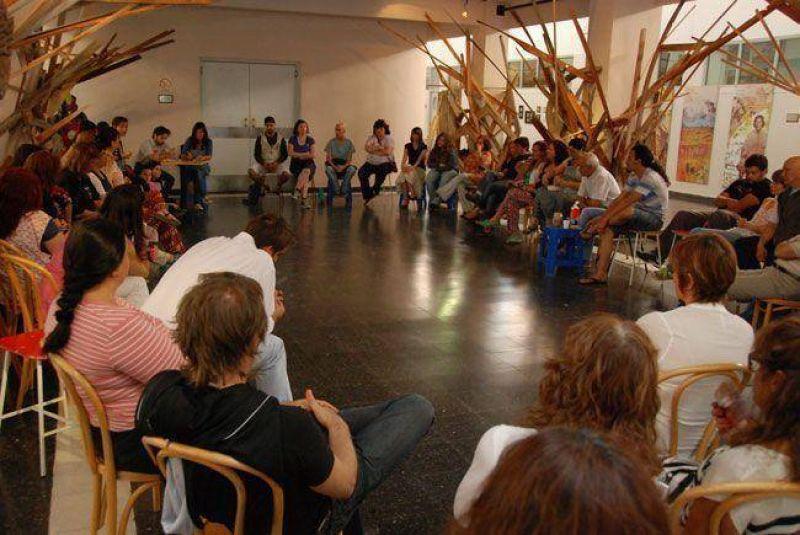 """Conflicto en el CMC: trabajadores denuncian el """"vaciamiento"""" del �rea de Educaci�n"""