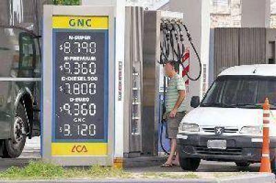 La nafta premium roza los $10 por litro en Santiago y se prevén nuevos ajustes
