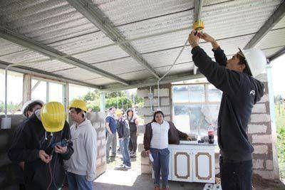 Construyen unidades habitacionales para familias en situación de emergencia