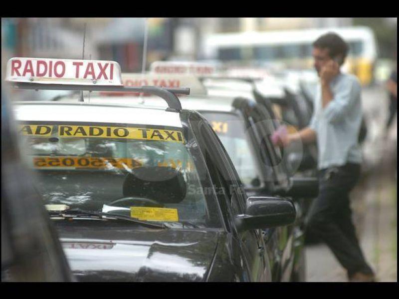 Los taxistas acusan un impacto indirecto del aumento de la nafta