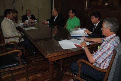 Jorge pidi� tratar las pr�rrogas de los contratos petroleros: �sino, no mando la ley�