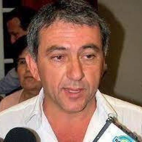 Armando Molina
