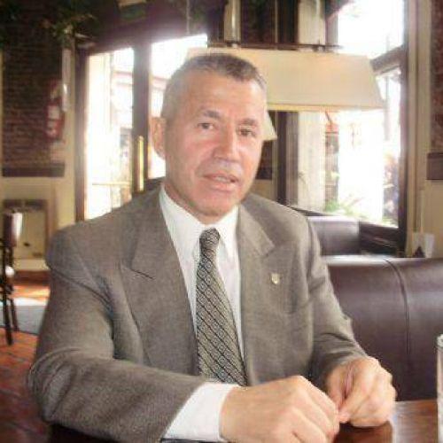 Guillermo González