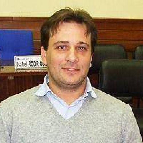 Hernán Doval