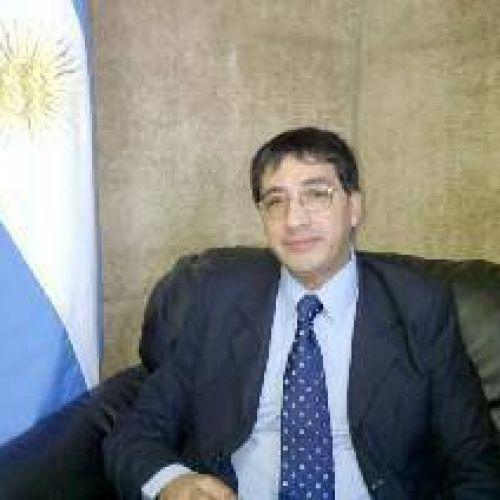 Luis Ampuero
