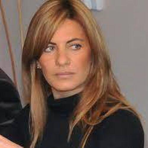 Nora de Lucía